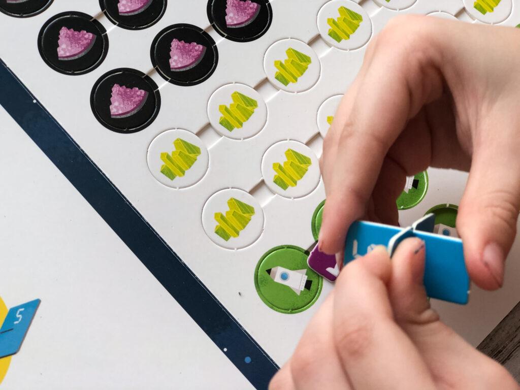 Учиться с удовольствием - Большая книга умных игр для развития мозга 6